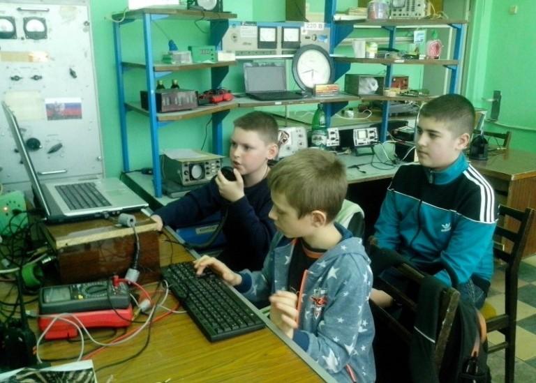 Молодежное первенство по радиосвязи.